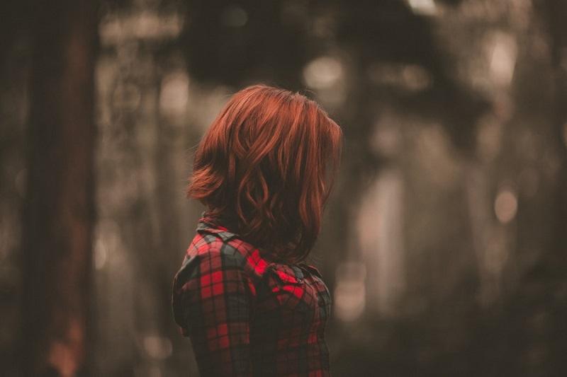 Découvrez pourquoi les filles fortes se sentent brisées émotionnellement