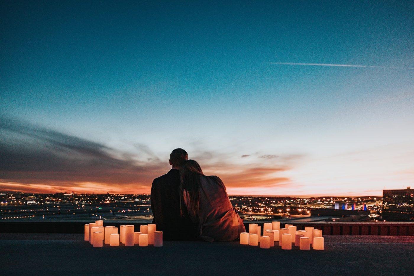 50 Citations d'amour fort : avouer ses sentiments de manière romantique
