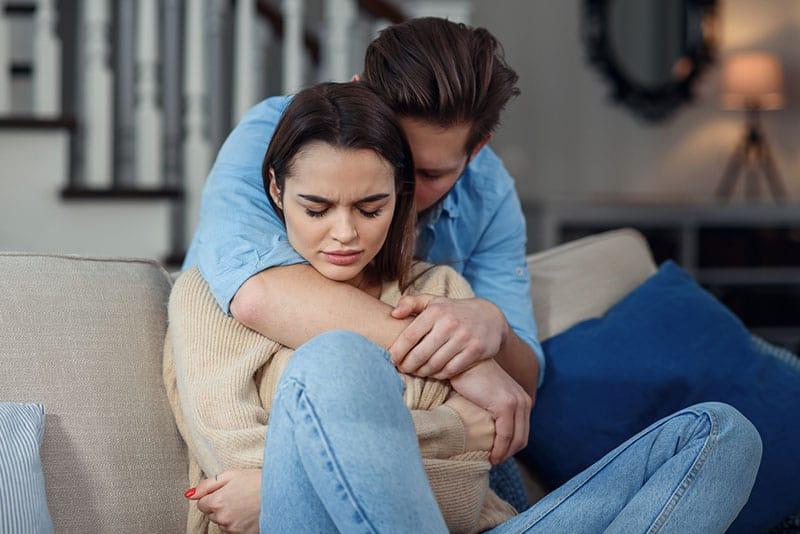 Ton copain est-il un manipulateur ? Ne te laisse plus berner !