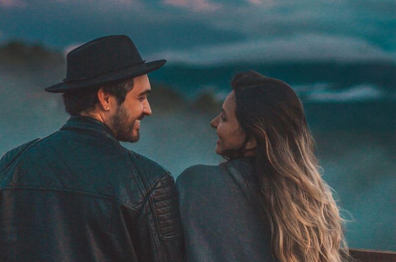 Voici le véritable amour : il te pousse à devenir meilleure sans chercher à te changer