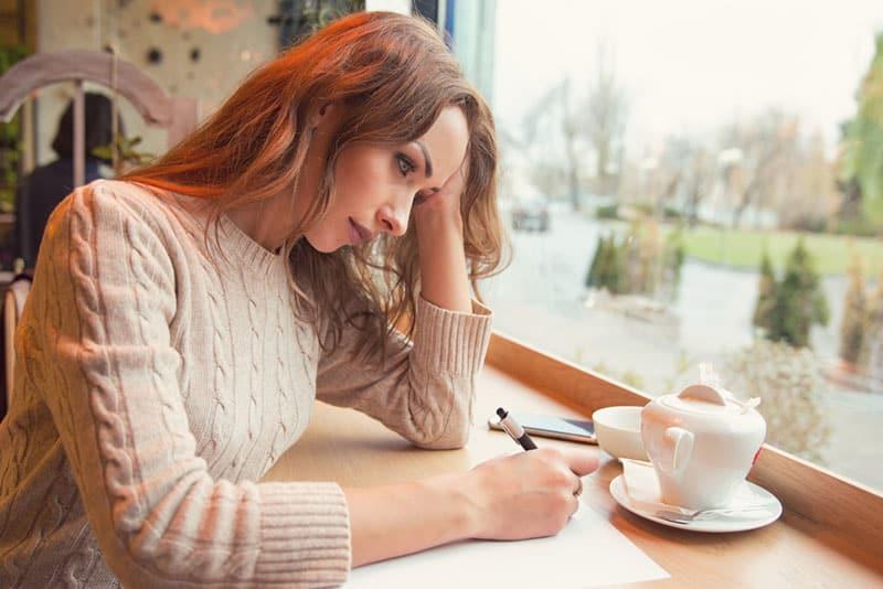 Voici les 10 Étapes essentielles pour définitivement oublier ton ex