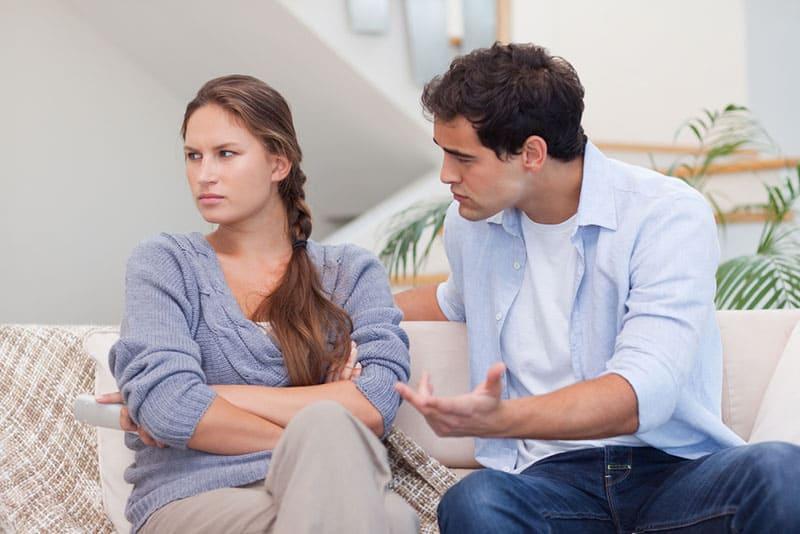 12 Astuces pour résoudre les conflits dans le couple sans se blesser mutuellement
