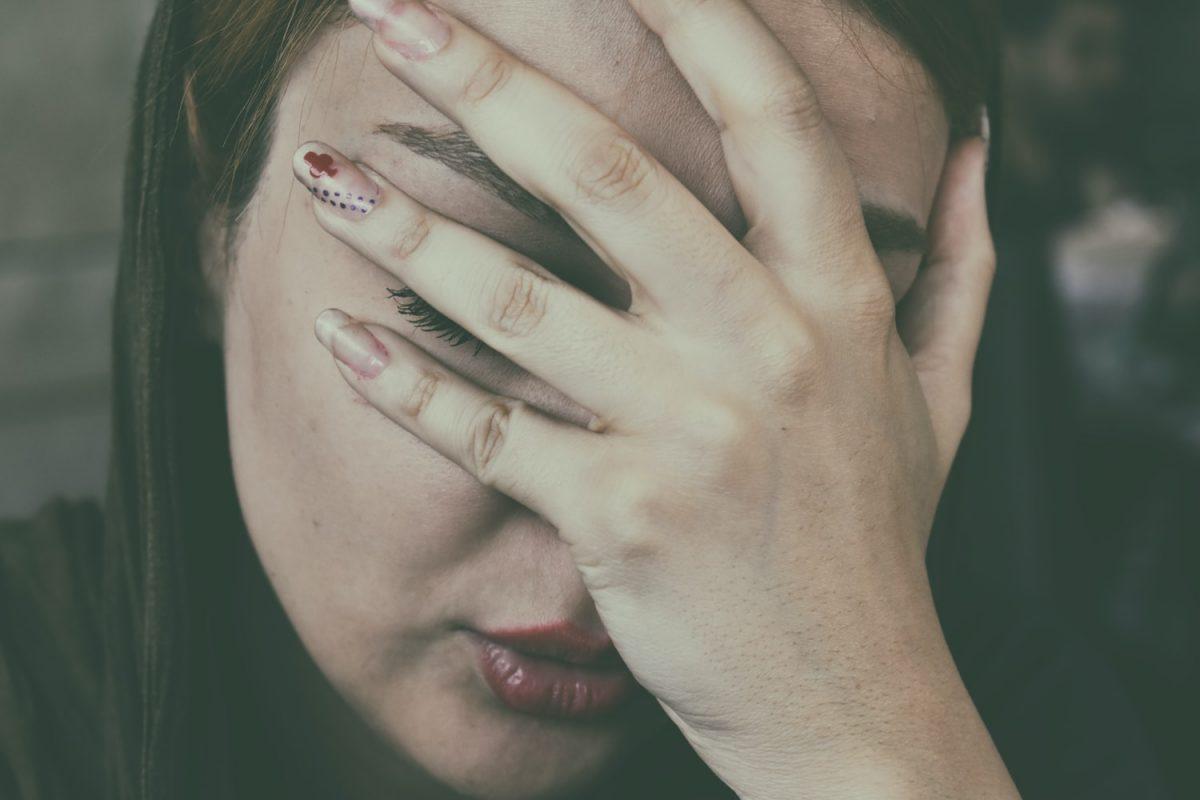 Violences conjugales : pourquoi se produisent-elles ? Et, faut-il pardonner ?