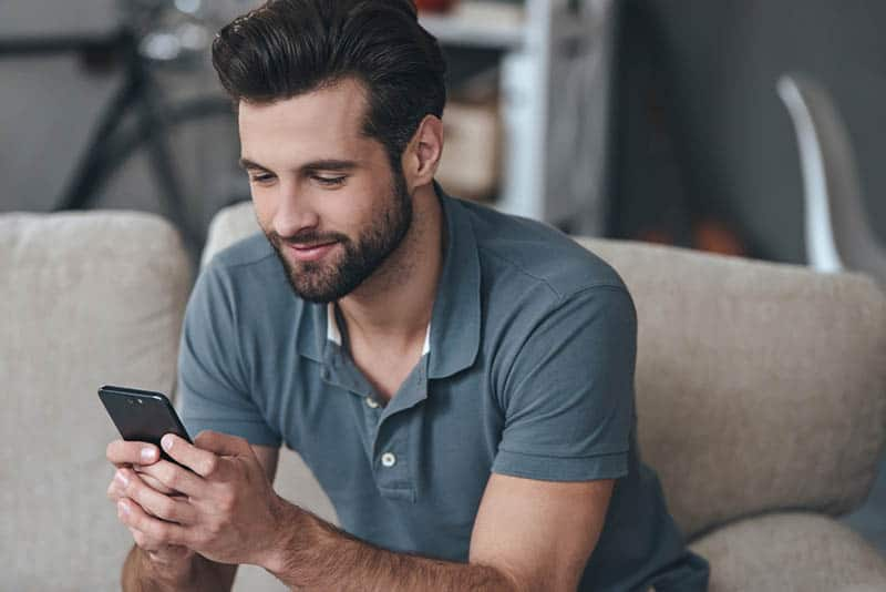 Tinder, Meetic, eDarling… 50 Phrases d'accroche testées et approuvées