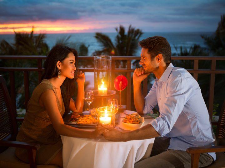 25 Super idées pour une soirée romantique : ravivez la flamme !