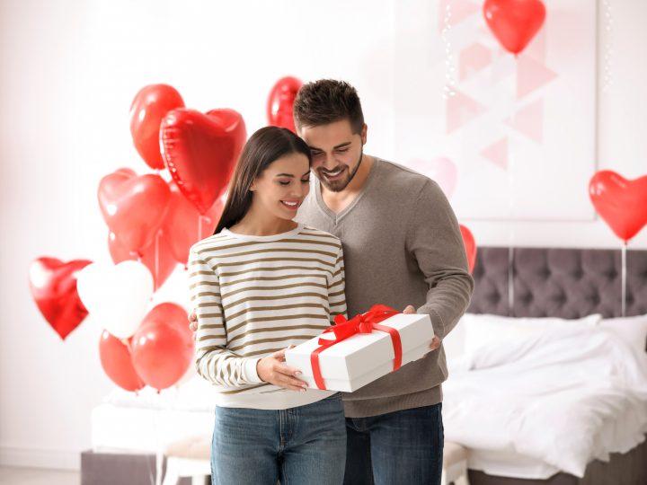 10 ans de mariage : les 15 Cadeaux parfaits pour fêter les noces d'étain