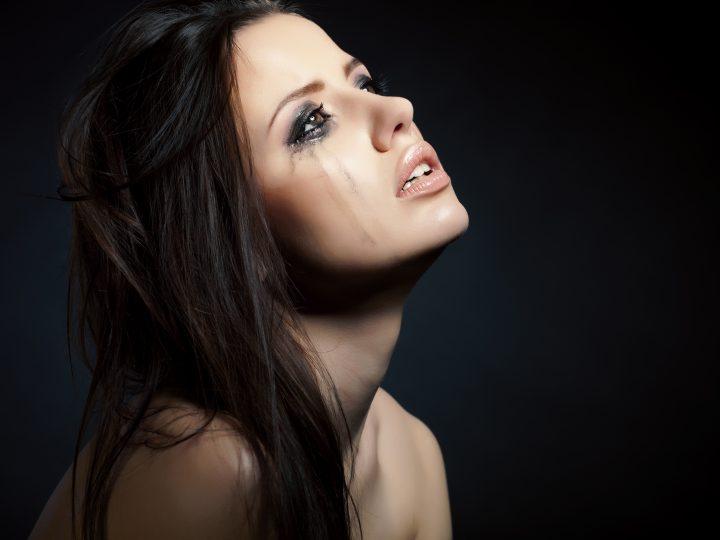 5 Blessures émotionnelles que les femmes qui ont subi des abus cachent