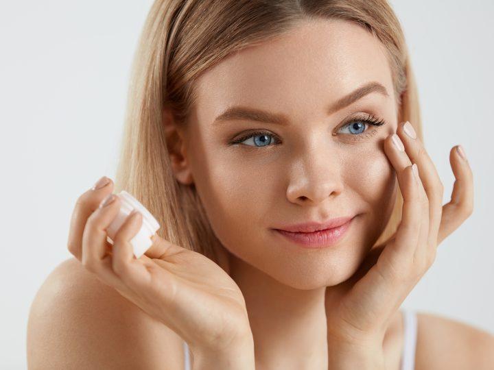 Bénéfices ou dangers : le paraffinum liquidum est-il bon pour la peau ?