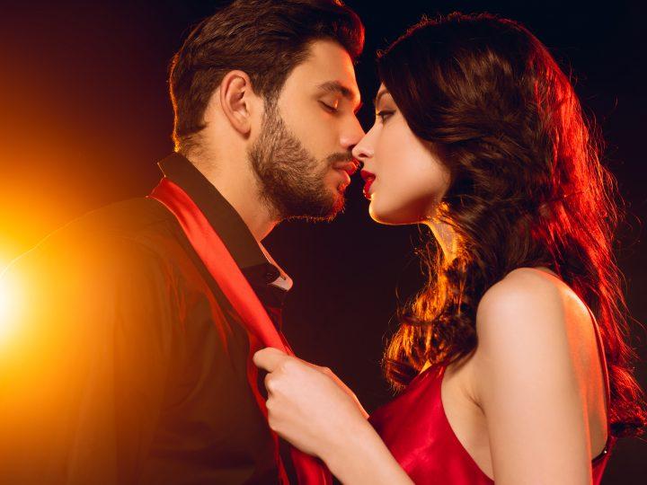 Intimité et passion : les 5 Couples du zodiaque les plus fusionnels
