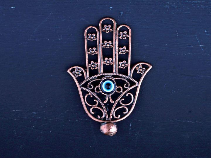 Symbole de protection : 10 Emblèmes magiques pour vous protéger du mal